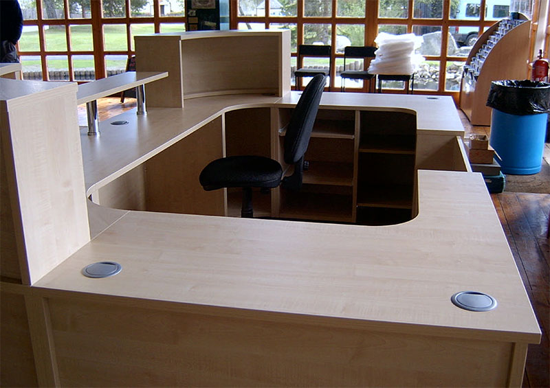 Image 25F/R Landmark Forest Adventure Park -Flex bespoke reception desk -Maple - rear view