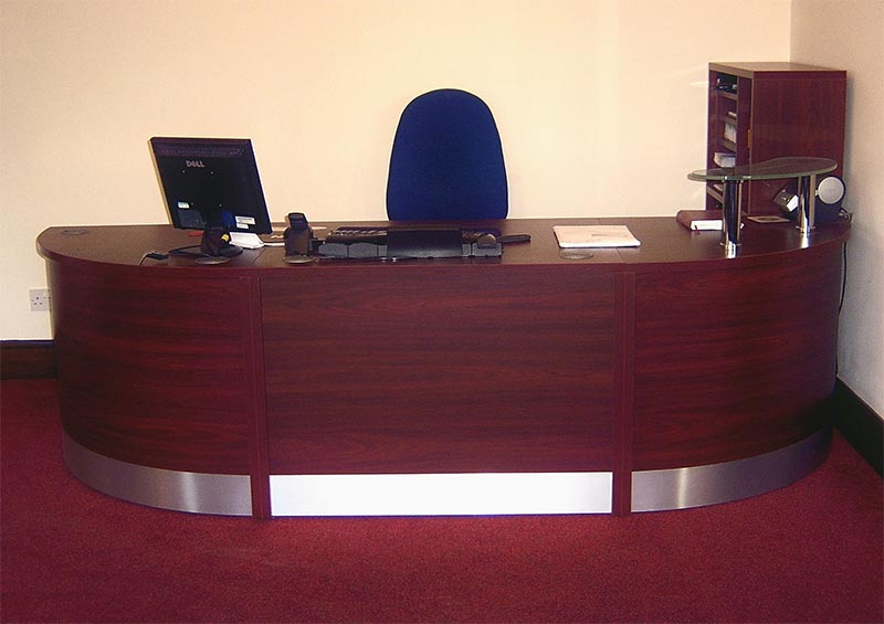 Image 84F - Flex Bespoke laminate reception desk