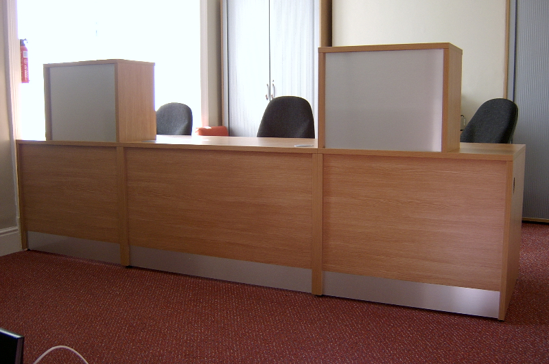 Image 27F - Flex Bespoke Dental reception desk- Oak with Silver top units