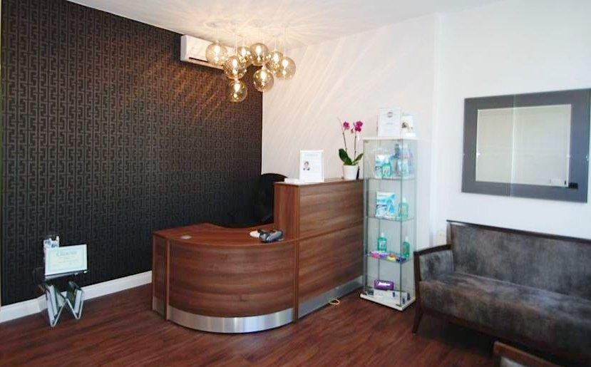 Image 64F - Flex Dental reception desk