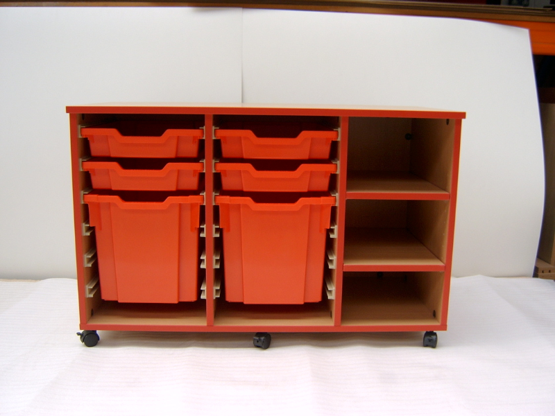 Tray unit with Shelves  - Red